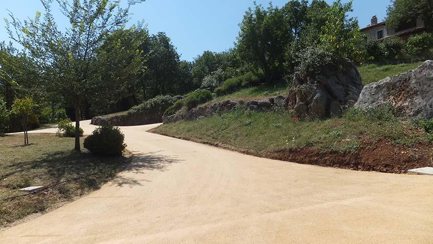 Pavimentazioni esterne innovative per vialetti e piazzali - Alberi adatti per viali ...